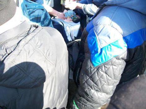 В Луганську після мітингу гроші роздавали прямо з сумки (ФОТО)