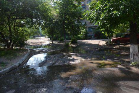 Луганськ плаває в фекаліях (ФОТО)