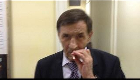Нардепи свідомо порушують закон у Раді: курять і розкидають недопалки (ФОТО)