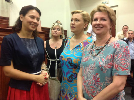 Яценюку при штурмі Київради зламали окуляри (ФОТО)